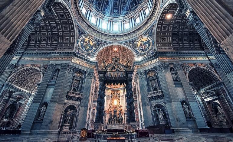 Η χρονομηχανή του Βατικανού: Πώς ένας ιερέας πήγε πίσω στον χρόνο για να δει τη Σταύρωση του Ιησού
