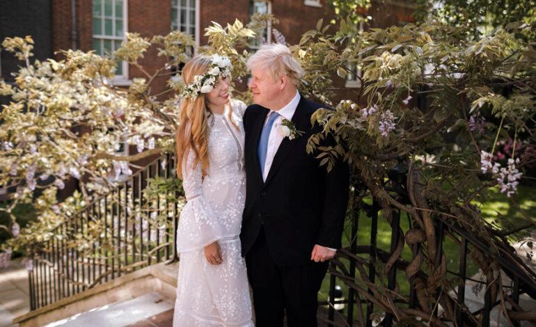 Μπόρις Τζόνσον παντρεύτηκε περπατώντας στα… βήματα του Λόρδου Λίβερπουλ