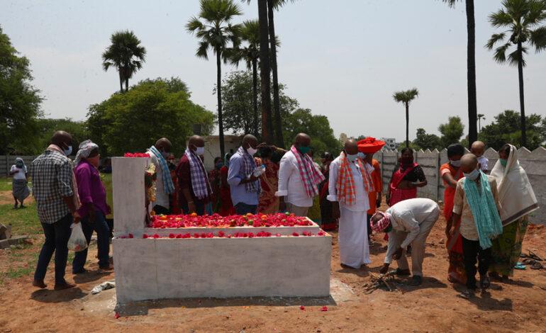 Ξεπέρασαν τις 300.000 οι θάνατοι από κορονοϊό στην Ινδία