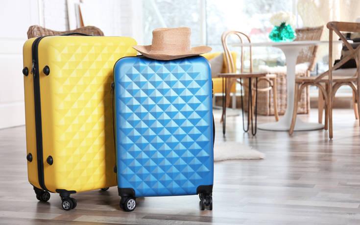 Οι Βρετανοί ετοιμάζονται να κάνουν διακοπές σε Ελλάδα, Γαλλία, Ισπανία από τον Ιούνιο