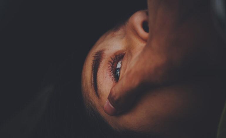 Σοκάρει ο ομαδικός βιασμός γυναίκας: Την έδειραν, την έδεσαν και την εγκατέλειψαν γυμνή