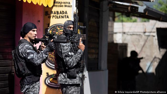 Βραζιλία: Στους 28 οι νεκροί από την αστυνομική επιχείρηση εναντίον εμπόρων ναρκωτικών σε φαβέλα του Ρίο
