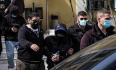 Μένιος Φουρθιώτης : Στο ίδιο κελί με ένστολους κατηγορούμενους