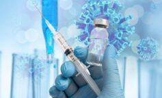 """""""Φρένο"""" σε 19.000 ασυμπτωματικούς φορείς με τα self test - Έκκληση στους άνω των 50 ετών να εμβολιαστούν"""