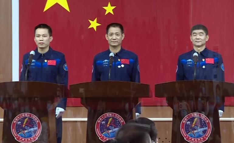 Η Κίνα στέλνει τρεις αστροναύτες στον διαστημικό της σταθμό
