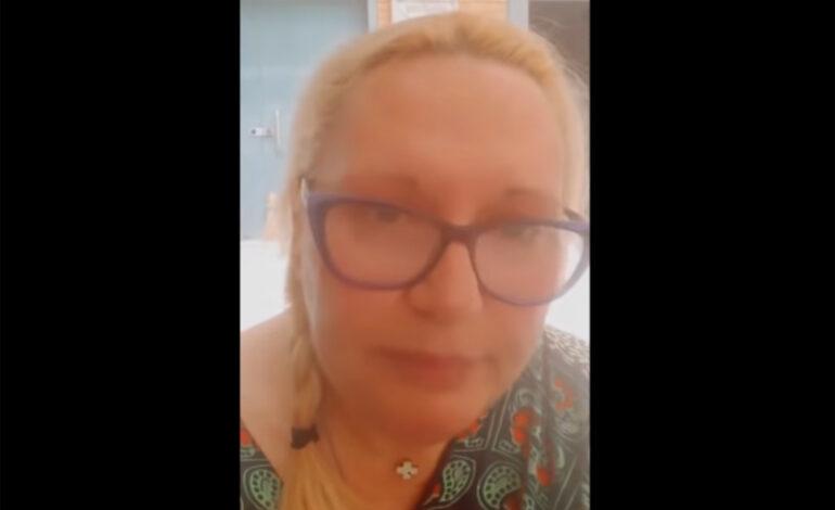 Η Καίτη Φίνου καταγγέλλει ότι έγινε μάρτυρας βίαιης συμπεριφοράς ενηλίκου προς παιδί σε πλατεία