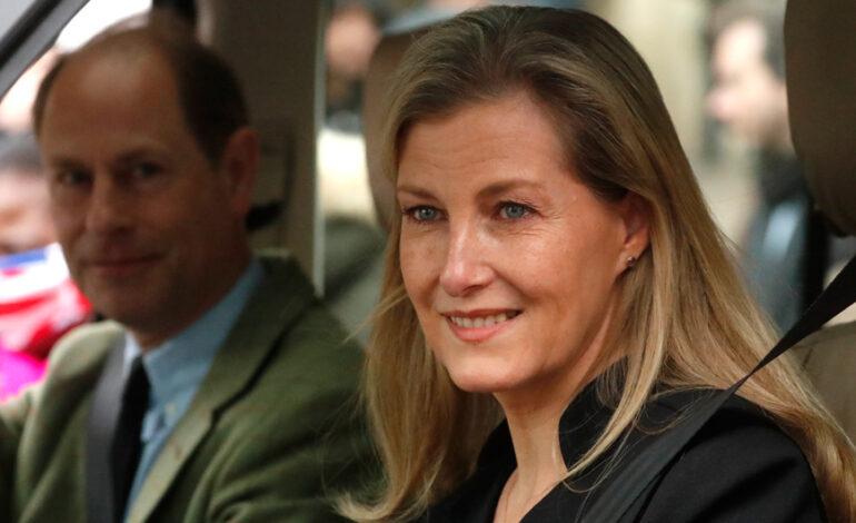 Η κόμισσα του Ουέσεξ βάζει τα πράγματα στη θέση τους για Χάρι-Μέγκαν: «Ναι η συνέντευξη, τι;»