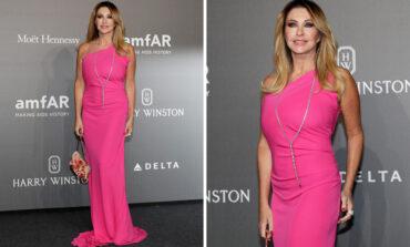 Ιταλίδα παρουσιάστρια που θύμισε τη Σάρον Στόουν επιμένει ότι φορούσε εσώρουχο