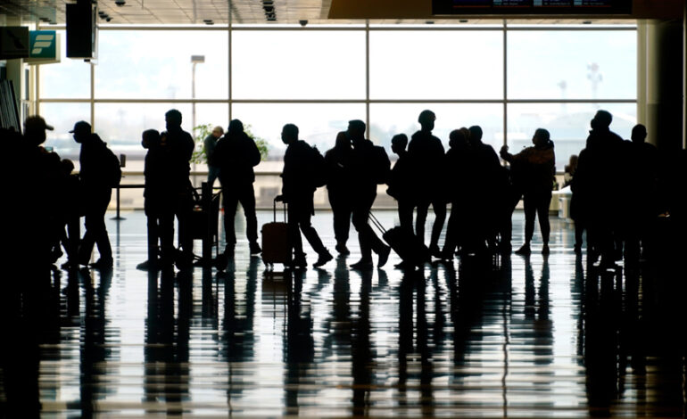 Κορονοϊός – ΗΠΑ: Ομάδες εργασίας ειδικών θα αποφασίσουν πώς θα ξεκινήσουν πάλι τα ταξίδια