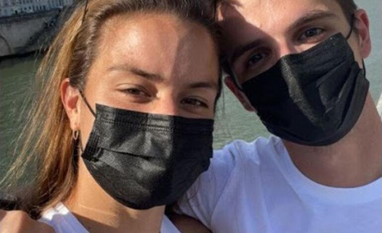 Μαρία Σάκκαρη και Κωνσταντίνος Μητσοτάκης ποζάρουν αγκαλιά