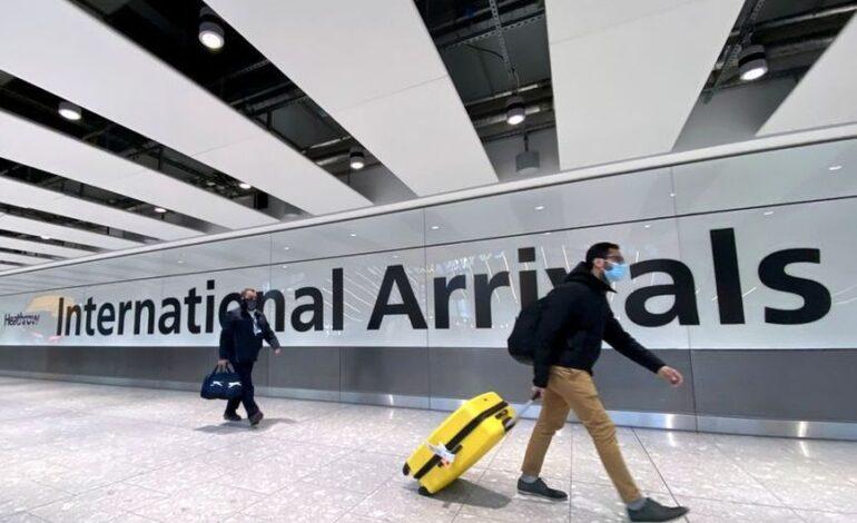 Μεγάλη Βρετανία: Εντείνονται οι πιέσεις στην κυβέρνηση για χαλάρωση των ταξιδιωτικών περιορισμών