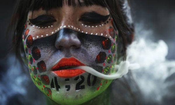 Μεξικό: Το Ανώτατο Δικαστήριο νομιμοποίησε τη χρήση μαριχουάνας για τους ενηλίκους