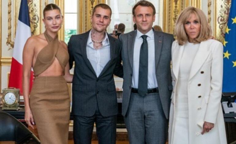 Ο Τζάστιν Μπίμπερ συναντήθηκε με τον Εμανουέλ Μακρόν – Στο ραντεβού και οι σύζυγοί τους
