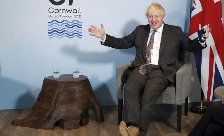 Ο Τζόνσον καλεί την ΕΕ να δείξει «πραγματισμό και συμβιβασμό» στο θέμα της Βόρειας Ιρλανδίας