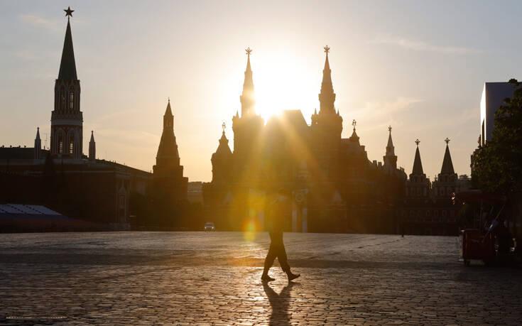 Παράταση των περιορισμών στη Μόσχα φέρνει η άνοδος των κρουσμάτων