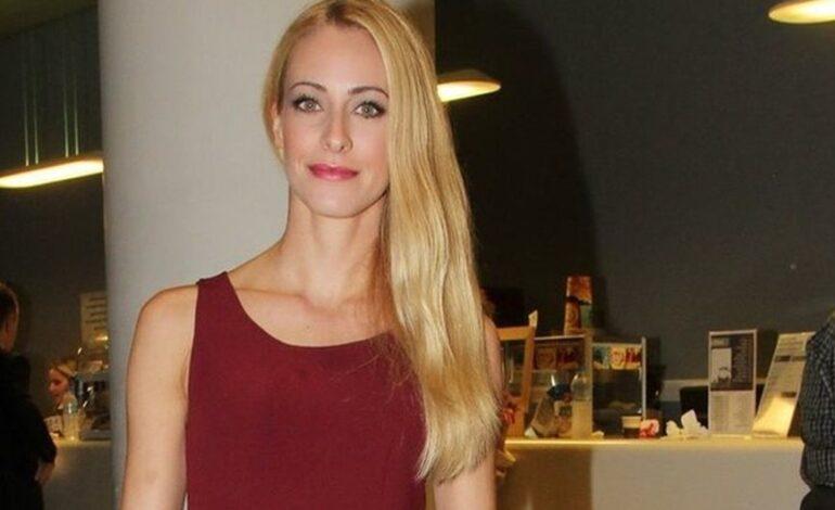 Σοφία Μανωλάκου: Έχει τύχει να με τραβήξουν πίσω για να βγουν στη θέση μου στην υπόκλιση