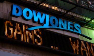 Μικρές απώλειες για Dow Jones και S&P 500