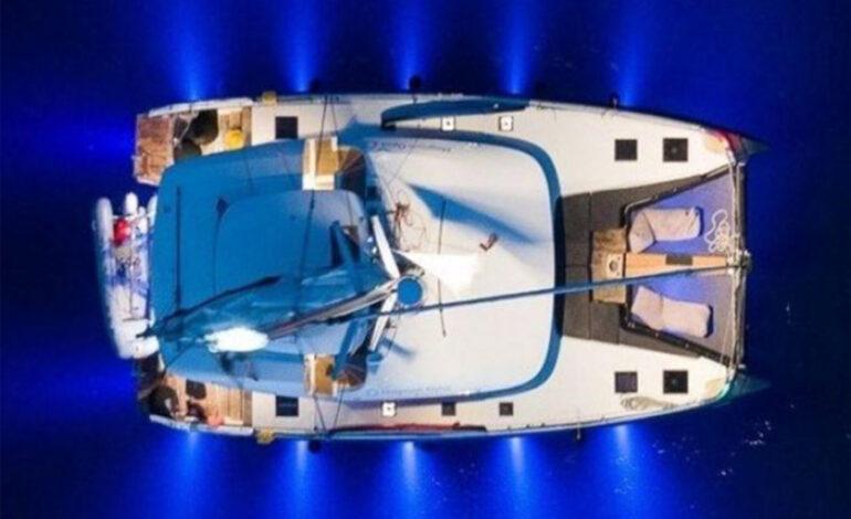 Champagne Night για 2 έως 8 άτομα, στο «ιδιωτικό» σας Catamaran! Κι όμως μπορείτε να το χαρίσετε ως δώρο…