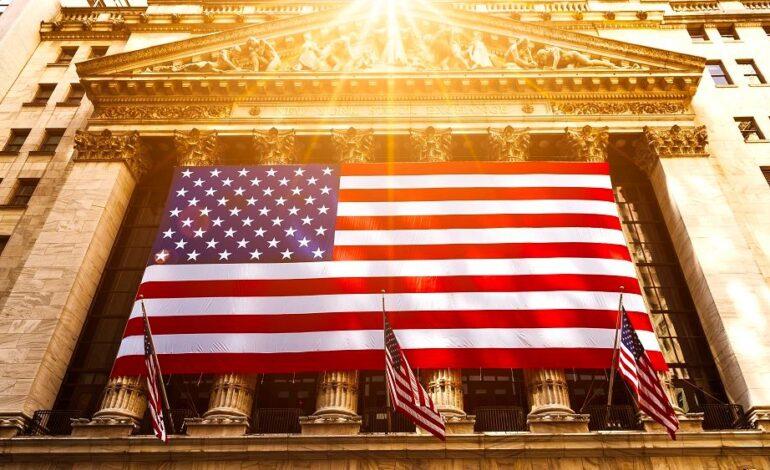 Νέο ρεκόρ ο Nasdaq μετά τις δηλώσεις Πάουελ ότι η Fed δεν θα αυξήσει προληπτικά τα επιτόκια