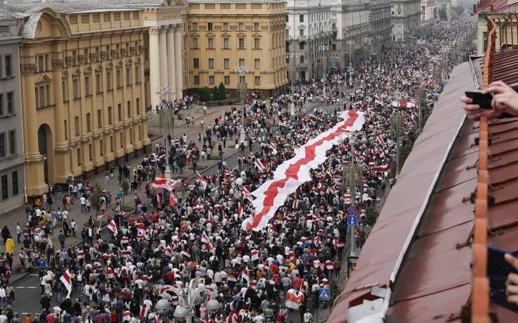 Άμεση απελευθέρωση 530 πολιτικών κρατούμενων από τη Λευκορωσία ζητά ο ΟΗΕ