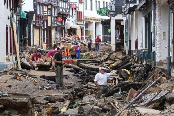 Γερμανία: Τους 165 έφτασαν οι νεκροί από τις πλημμύρες