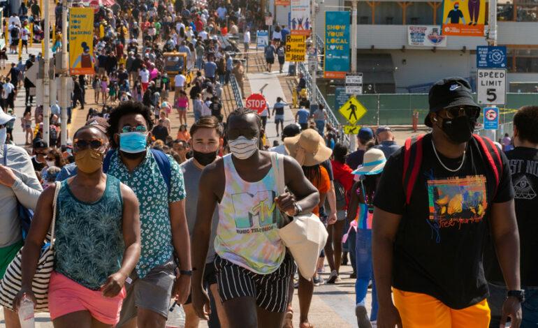 ΗΠΑ: Η αύξηση των κρουσμάτων φέρνει υποχρεωτική χρήση της μάσκας στο Λος Άντζελες