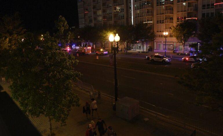 ΗΠΑ: Πυροβολισμοί έξω από γήπεδο στην Ουάσιγκτον – Χτυπήθηκαν τέσσερα άτομα