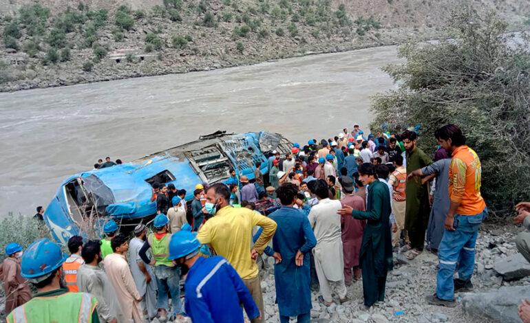 Η Κίνα ζητεί από το Πακιστάν να τιμωρήσει τους δράστες της επίθεσης σε λεωφορείο