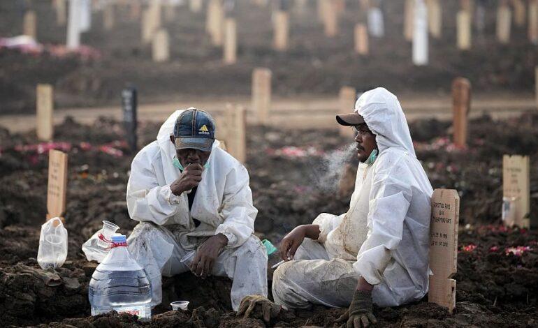 Κορονοϊός: Ξεπέρασαν τα 4 εκατομμύρια οι θάνατοι – Προειδοποίηση ΠΟΥ για την πρόωση άρση μέτρων