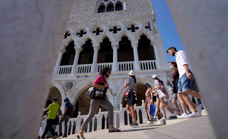 Κορονοϊός – Ιταλία: Αυξάνονται τα κρούσματα σε τουριστικά θέρετρα
