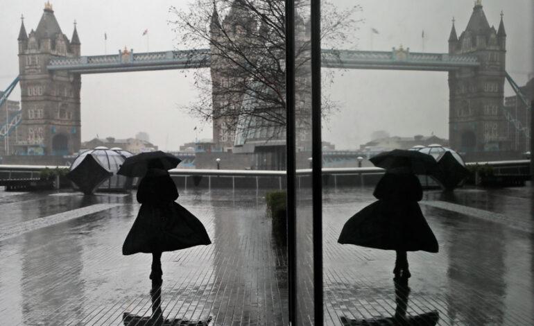 Λονδίνο: Καταστροφές σε σπίτια διασήμων μετά την ξαφνική βροχόπτωση