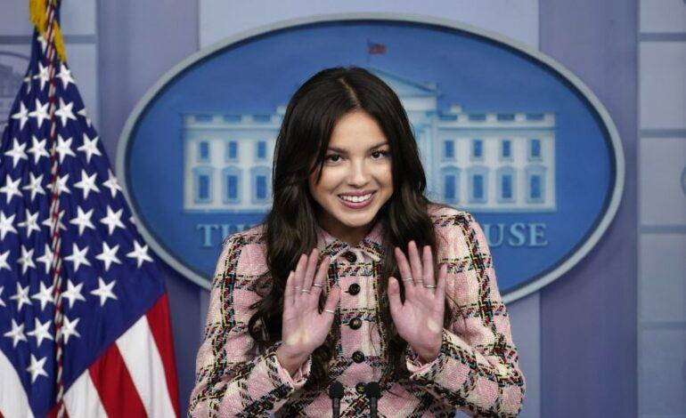 Ο Λευκός Οίκος «στρατολογεί» celebrities στη μάχη του εμβολιασμού