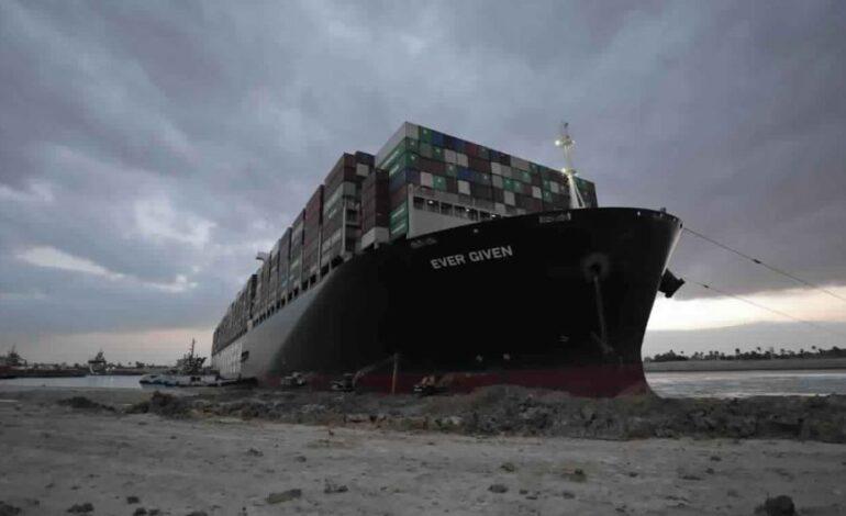 Ο τιτάνας που έκοψε στα δύο τον κόσμο σηκώνει άγκυρες: Το Ever Given κατευθύνεται προς τη Μεσόγειο