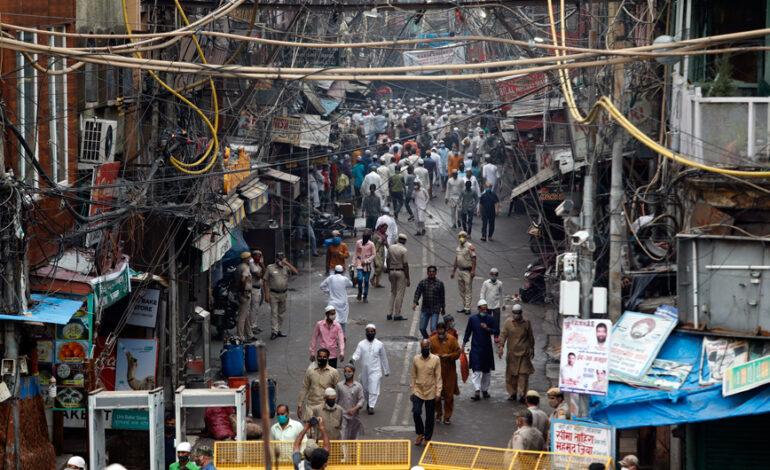 Τρομακτική η κατάσταση με τον κορονοϊό στην Ινδία: Σχεδόν 4.000 θάνατοι σε μία μέρα