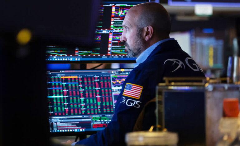 Tριπλό ρεκόρ στη Wall – Μια ανάσα από τις 35.000 μονάδες ο Dow Jones