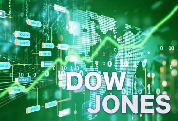 Τριπλό ρεκόρ στη Wall Street – Ράλι 448 μονάδων ο Dow Jones