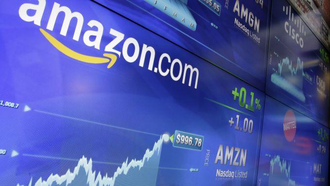 Απώλειες 200 μονάδων για τον Dow εν μέσω… αμφιβολιών για την ανάκαμψη – Νέο ρεκόρ για Nasdaq