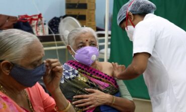 Ινδία: Πίστευαν ότι εμβολιάζονταν αλλά τους έβαζαν αλατόνερο – Συλλήψεις γιατρών για μεγάλη απάτη