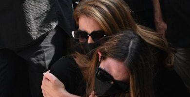 Ηχηρές απουσίες από την κηδεία του Τόλη Βοσκόπουλου