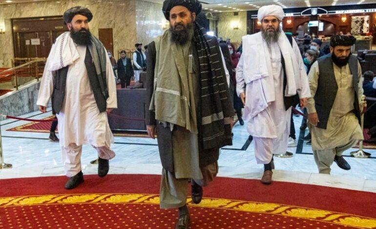 Αφγανιστάν: Στην Καμπούλ ο συνιδρυτής των Ταλιμπάν – Ξεκινούν οι συνομιλίες για τον σχηματισμό κυβέρνησης