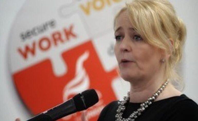 Για πρώτη φορά στην ιστορία το ισχυρό βρετανικό συνδικάτο Unite έχει γυναίκα στο τιμόνι του