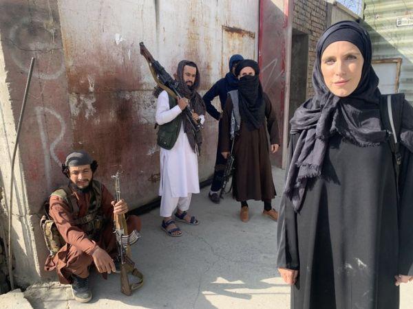 Κλαρίσα Γουάρντ – Η δημοσιογράφος του CNN που διαδέχθηκε την Αμανπούρ και πιέζει τους Ταλιμπάν
