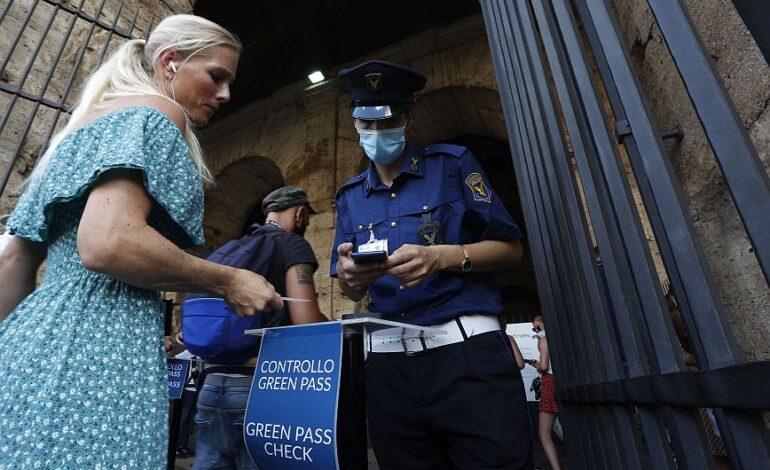 Μόνο με «πράσινο πάσο» εμβολιασμού η πρόσβαση σε τρένα και αεροπλάνα στην Ιταλία