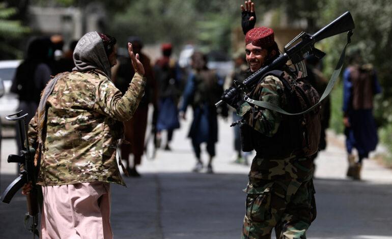 Ρώσος υπουργός Άμυνας: Οι Ταλιμπάν απέσπασαν τεράστια ποσότητα όπλων