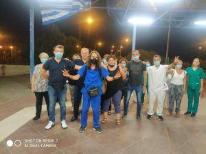 Τραυματιοφορέας έρχεται με τα πόδια από τη Λάρισα στην Αθήνα για να διαμαρτυρηθεί για τις αναστολές
