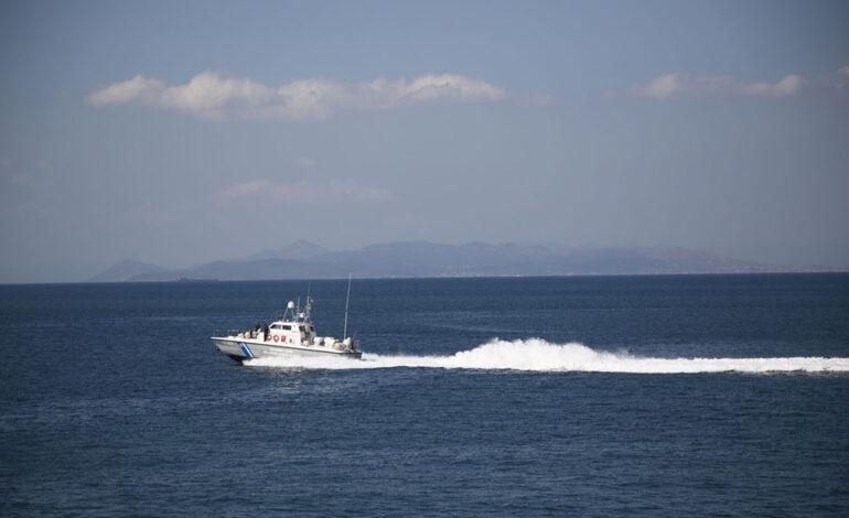 Μυρτώο Πέλαγος: Φορτηγό πλοίο προσέκρουσε σε βραχονησίδα – Περισυνελέγησαν 16 ναυτικοί