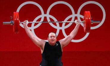 Λόρελ Χάμπαρντ: Η πρώτη τρανς αθλήτρια που αγωνίστηκε σε Ολυμπιακούς Αγώνες