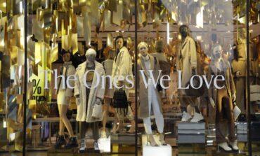 Γιατί μια συντάκτρια μόδας σταμάτησε να αγοράζει καινούργια ρούχα