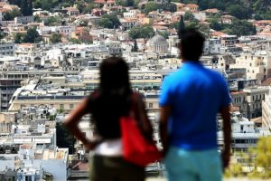 Δωρεάν στέγη σε νεαρά ζευγάρια – Τι θα γίνει και με εισφορά αλληλεγγύης