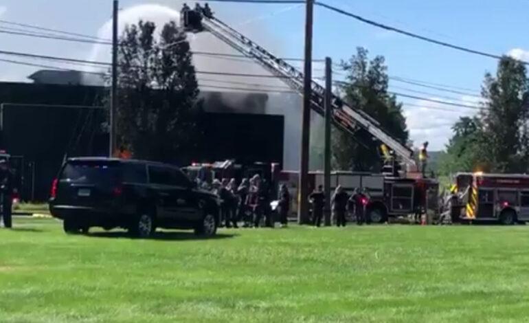 ΗΠΑ: Αεροπλάνο έπεσε σε κτήριο στο Κονέκτικατ – Οι πρώτες εικόνες